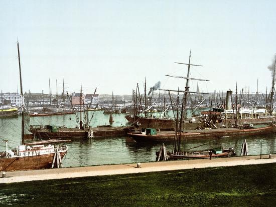 a-selection-of-river-barges-and-steamboats-on-the-rhine-at-rotterdam-pub-c-1895