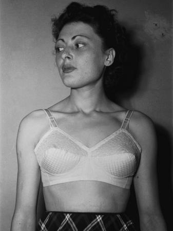 a-villani-model-wearing-a-bra-made-by-the-c-u-c-i-f-company