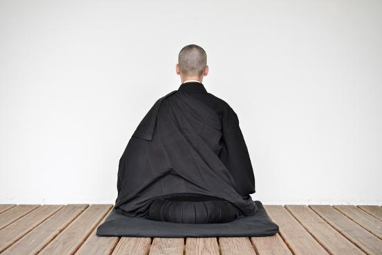 a-zen-buddhist-nun-is-practicing-zen-meditation-zazen