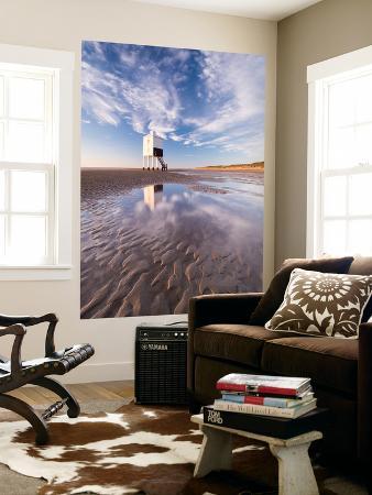 adam-burton-wooden-lighthouse-on-burnham-beach-at-low-tide-burnham-on-sea-somerset-england-winter