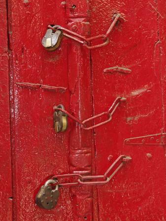 adam-jones-doorway-details-in-gulley-delhi-india