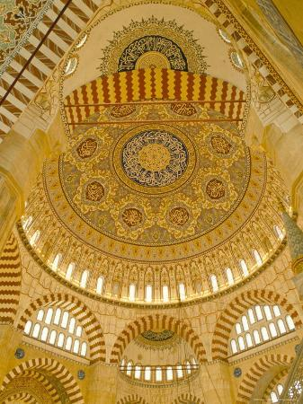 adam-woolfitt-interior-of-the-selimiye-mosque-edirne-anatolia-turkey