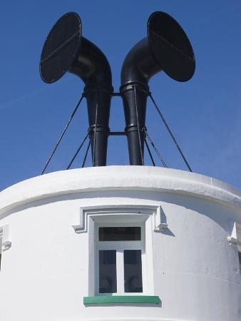 adrian-bicker-fog-horns-on-lighthouse