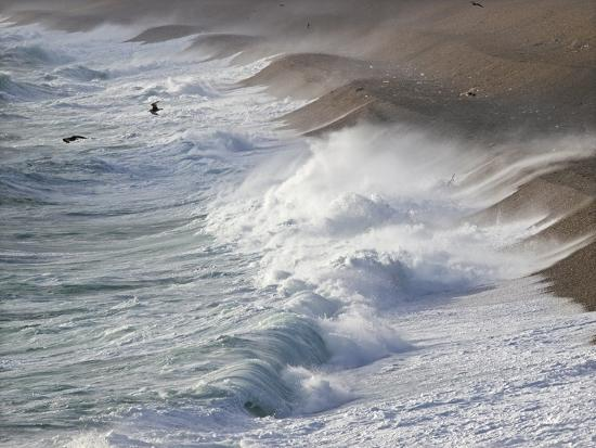 adrian-bicker-storm-waves-at-chesil-beach