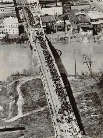 aerial-view-of-edmund-pettus-bridge-during-the-selma-alabama-voting-rights-campaign-1965