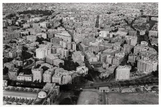 aerial-view-of-new-cairo-egypt-from-a-zeppelin-1931