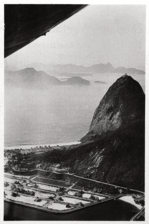 aerial-view-of-sugarloaf-mountain-rio-de-janeiro-brazil-from-a-zeppelin-1930