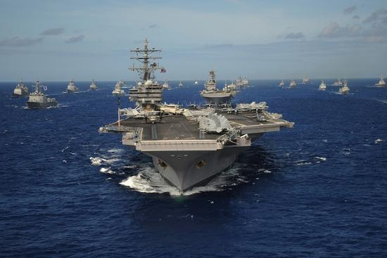 aircraft-carrier-uss-ronald-reagan-leads-allied-ships-on-pacific-ocean-july-2010