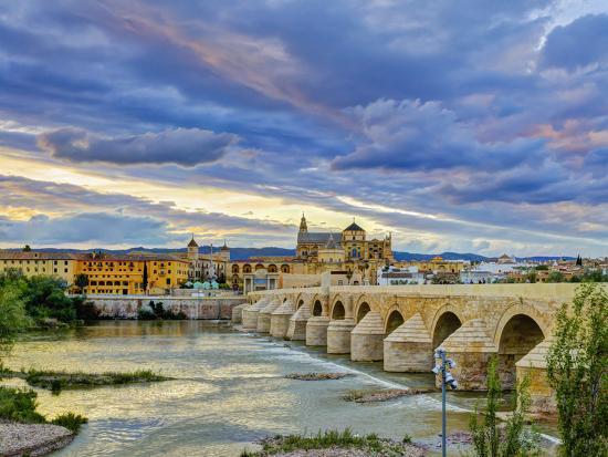 alan-copson-roman-bridge-over-guadalquivir-river-and-mezquita-cordoba-cordoba-province-andalucia-spain