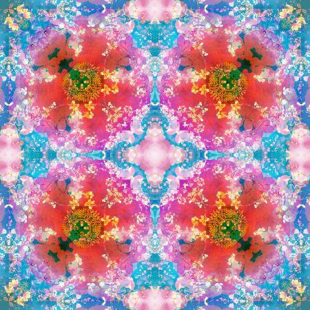 alaya-gadeh-composing-of-flowers-in-symmetrical-arrangement
