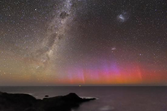 alex-cherney-aurora-australis-and-milky-way