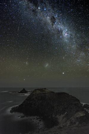 alex-cherney-milky-way-over-phillip-island-australia