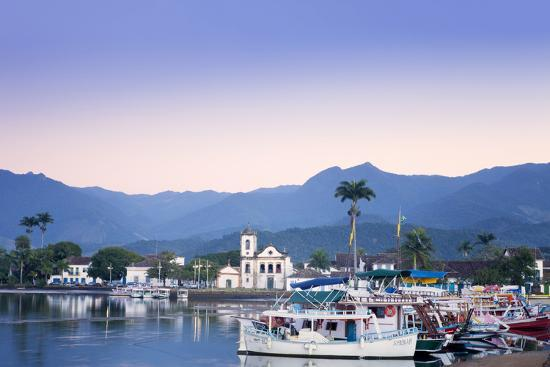 alex-robinson-docks-at-paraty-brazil