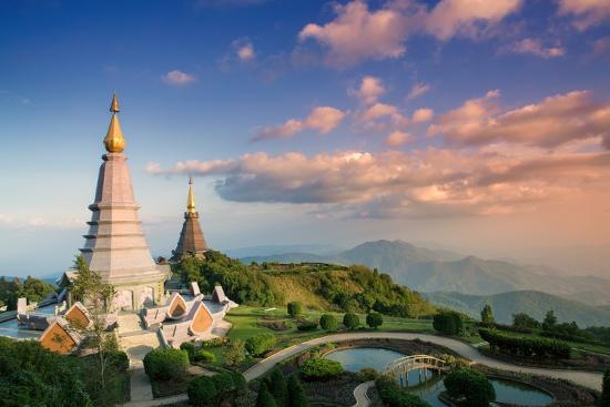 alex-robinson-temples-at-doi-inthanon-the-highest-peak-in-thailand-chiang-mai-province