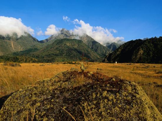 alfredo-maiquez-lava-fields-at-baru-volcano