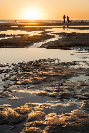 alison-jones-california-carpinteria-santa-barbara-channel-beach-at-low-tide
