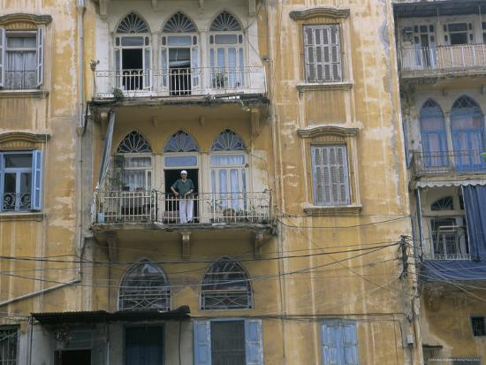 alison-wright-bombed-buildings-and-rebuilding-beirut-lebanon-middle-east