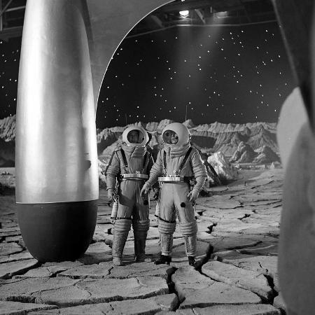 allan-grant-american-actors-john-archer-l-and-warner-anderson-on-set-of-destination-moon-1950