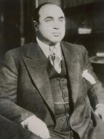 alphonse-scarface-capone-chicago-gangster