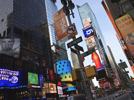 amanda-hall-times-square-manhattan-new-york-city-new-york-united-states-of-america-north-america