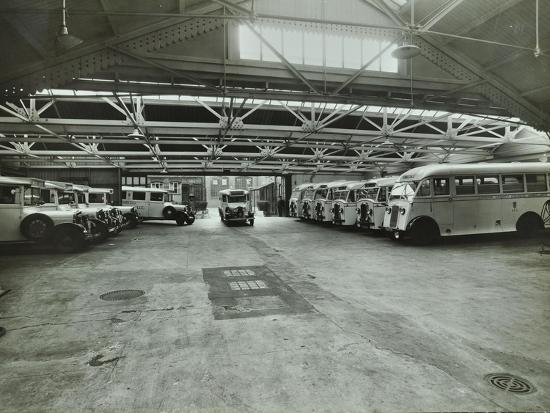 ambulances-in-a-garage-western-ambulance-station-fulham-1939