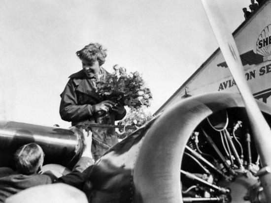 amelia-earhart-just-after-landing-in-oakland-on-first-solo-flight-across-pacific-january-12-1935