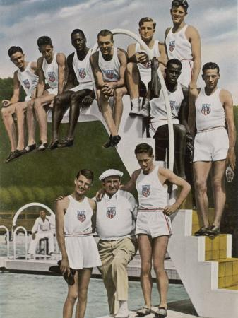 american-contestants-pose-and-smile-at-the-side-of-the-swimming-pool