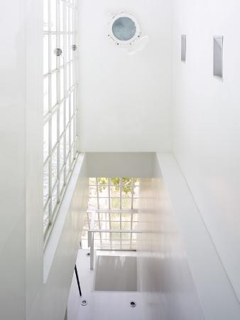 amit-geron-stairwell-of-white-house