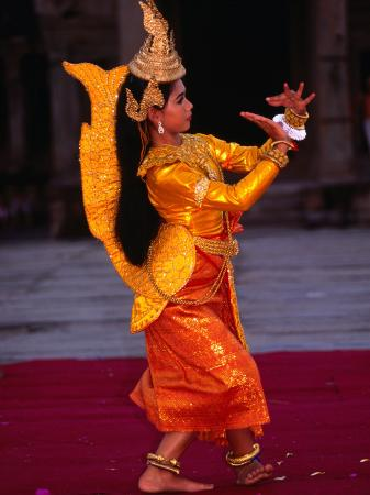 anders-blomqvist-woman-performing-traditional-dance-angkor-siem-reap-cambodia