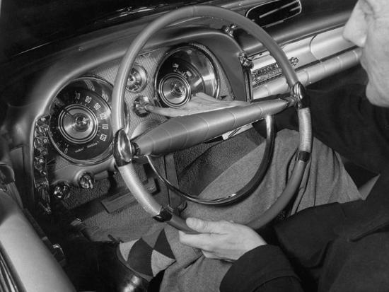 andreas-feininger-auto-pilot-speed-regulator-device-used-in-imperial-and-chrysler-1958-cars