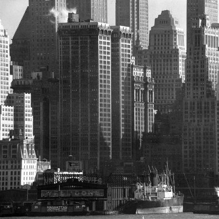 andreas-feininger-panoramic-view-of-buildings-in-lower-manhattan-taken-from-the-new-jersey-banks-of-the-hudson-river