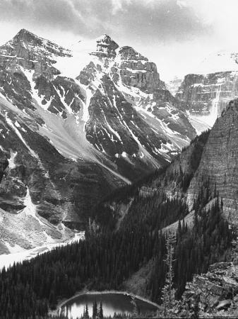 andreas-feininger-scenery-along-columbia-icefields-highway-in-canadian-rockies-between-banff-and-jasper