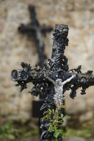 andreas-keil-france-basse-normandy-manche-cemetery-of-the-abbey-mont-saint-michel-crucifix