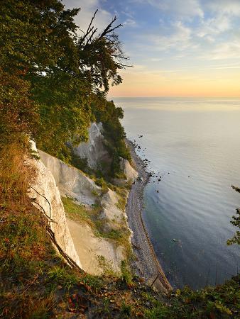 andreas-vitting-chalk-rocks-in-the-morning-light-national-park-jasmund-mecklenburg-west-pomerania
