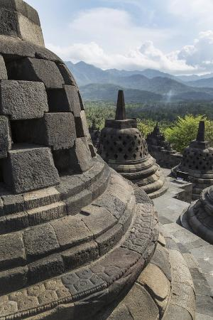 angelo-borobudur-buddhist-temple-unesco-world-heritage-site-java-indonesia-southeast-asia