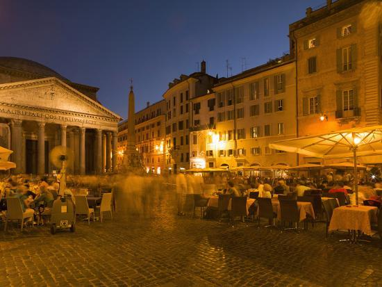 angelo-cavalli-people-dining-at-outside-restaurant-near-the-pantheon-rome-lazio-italy-europe