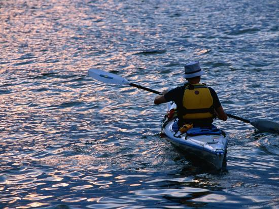 angus-oborn-kayaking-from-the-downtown-boathouse-new-york-city-new-york-usa