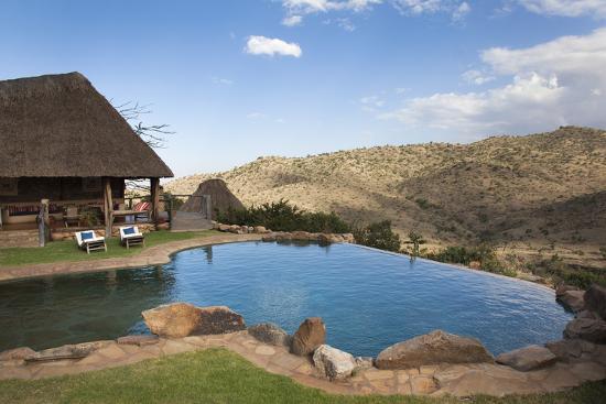 ann-steve-toon-infinity-pool-and-view-from-borana-luxury-safari-lodge-laikipia-kenya-east-africa-africa