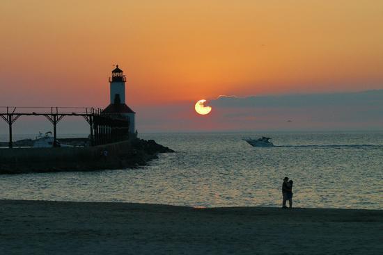 anna-miller-indiana-dunes-lighthouse-at-sunset-indiana-dunes-indiana-usa