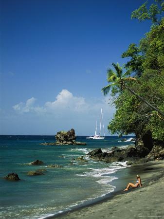 anne-keiser-sunbathing-on-the-beach-in-st-lucia
