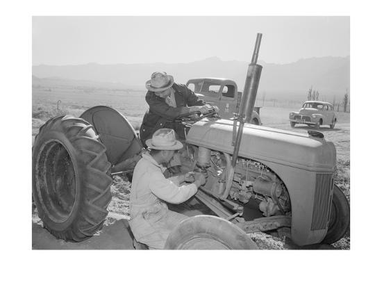 ansel-adams-tractor-repair-driver-benji-iguchi-mechanic-henry-hanawa-manzanar-relocation-center-california
