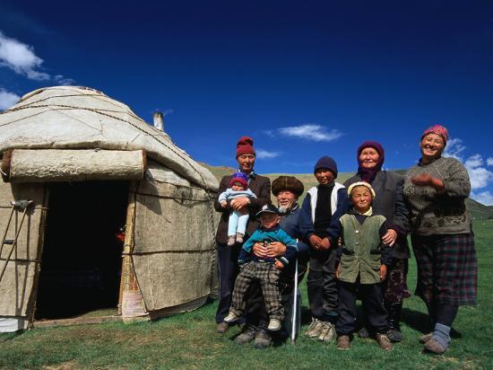 anthony-plummer-krygz-family-portrait-outside-summer-yurt-outside-of-kochkor-kyrgyzstan