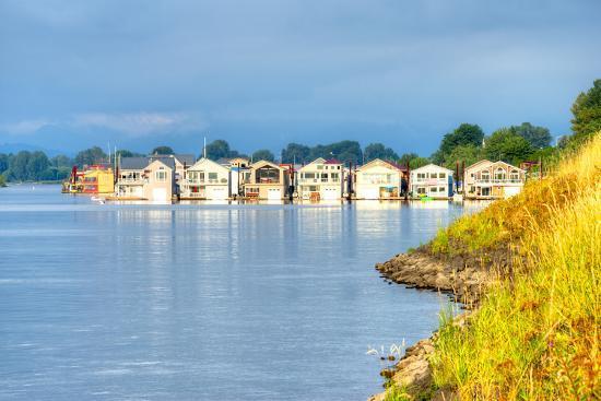 anton-foltin-houseboats