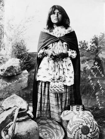 apache-woman-c1908
