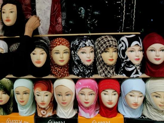 arab-woman-buys-an-islamic-head-dress-in-preparation-for-the-muslim-holy-fasting-month-of-ramadan