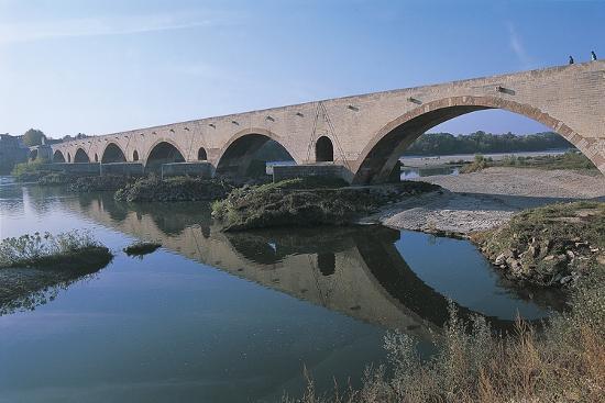 arch-bridge-over-a-river-pont-saint-esprit-languedoc-rousillon-france