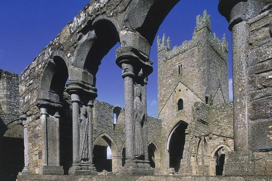 arches-on-coupled-colonnades-jerpoint-abbey-cistercian-abbey-founded-in-1158