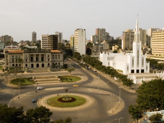 ariadne-van-zandbergen-town-hall-catholic-cathedral-and-roundabout-maputo-mozambique