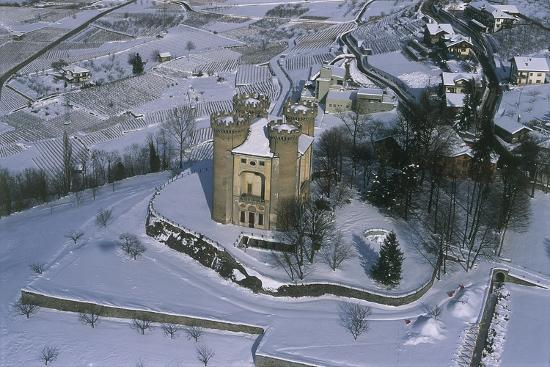 ariel-view-of-a-castle-aymavilles-castle-cogne-valley-aosta-valley-italy