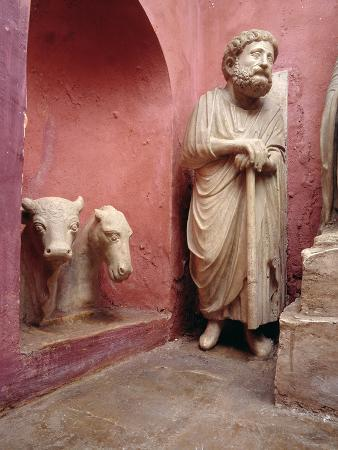 arnolfo-di-cambio-fragments-of-sculptures-from-the-nativity